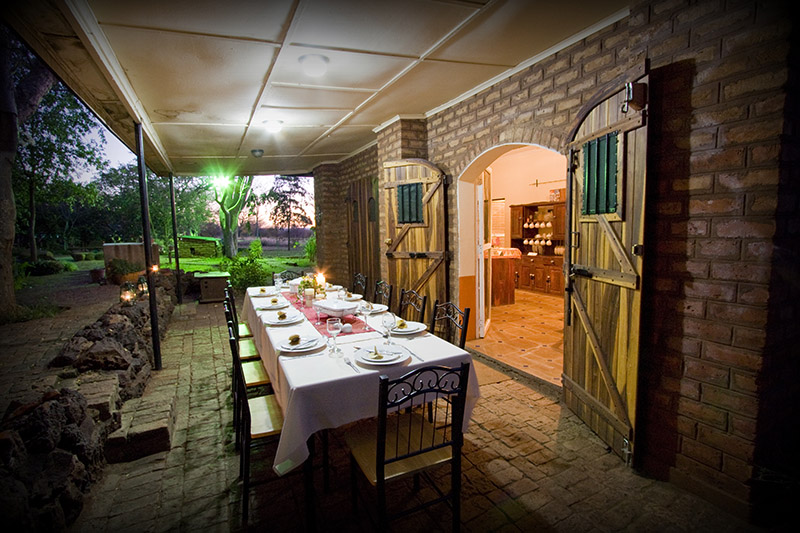 Bongwe Livingstone Accommodation dining area