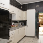 Bongwe-Lusaka-Accommodation-kitchen