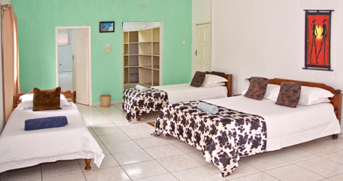 Bongwe-Lusaka-Accommodation-room-1b